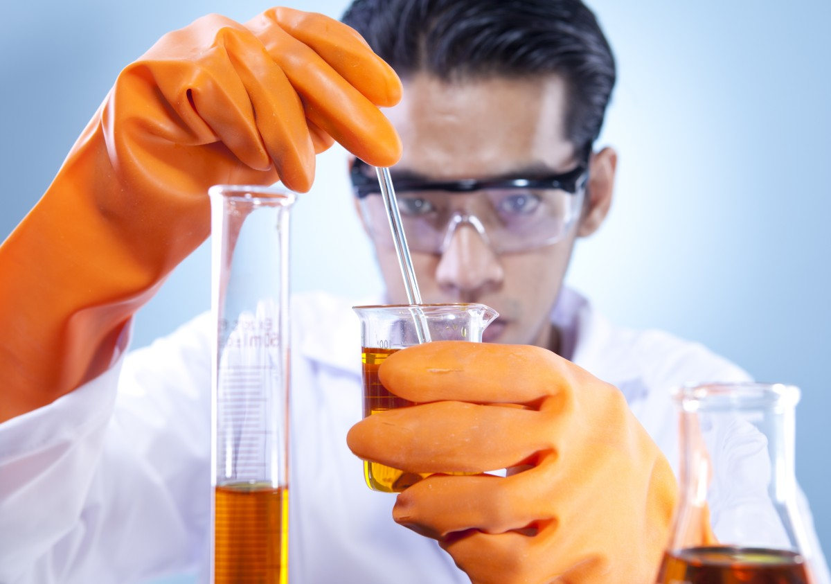 Mixing Chemical In Laboratory