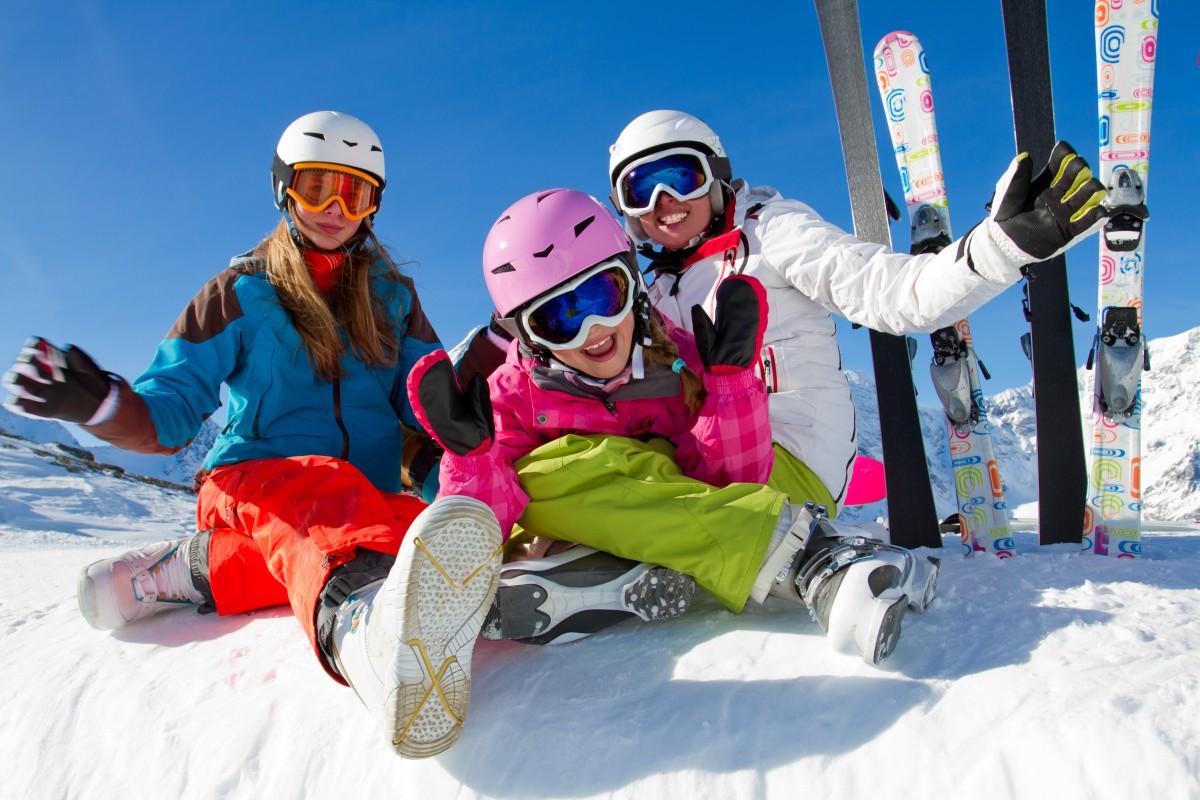 Das erste mal Wintersport: Snowboarden oder Skifahren, mit Kurs oder ohne?